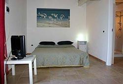 Studio apartment in Tuscany farmhouse sleeps four in Maremma