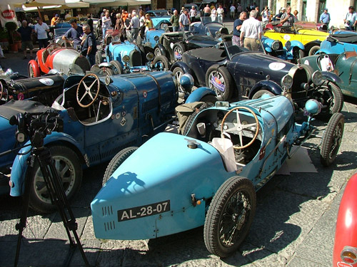 Bugatti Photos: 30 Bugatti Car Models in Maremma