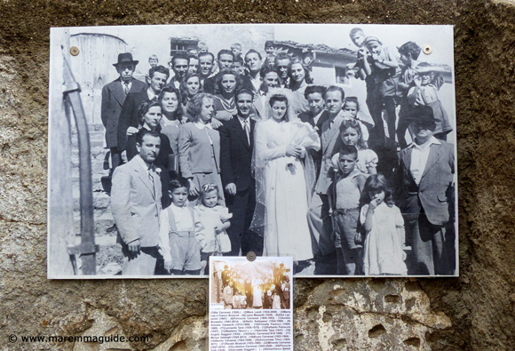 Black and white Italian photograph of a Buriano Tuscany wedding in 1948