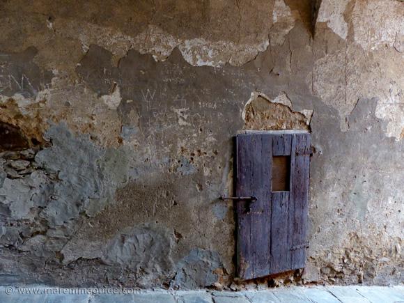 Campiglia Marittima ancient door