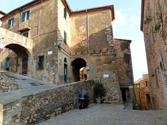 Campiglia Marittima Tuscany: streets in front of Palazzo Pretorio