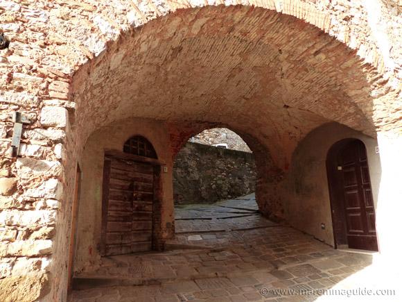 Campiglia Marittima houses