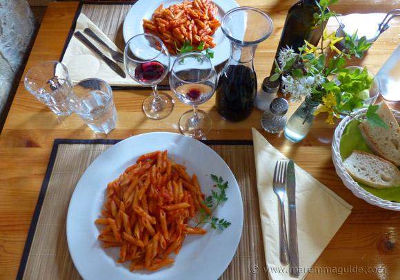 Pasta all'arrabbiata fixed menu lunch at Cana Roccalbegna restaurant