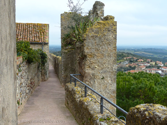 Capalbio Italy: the chemin de ronde.