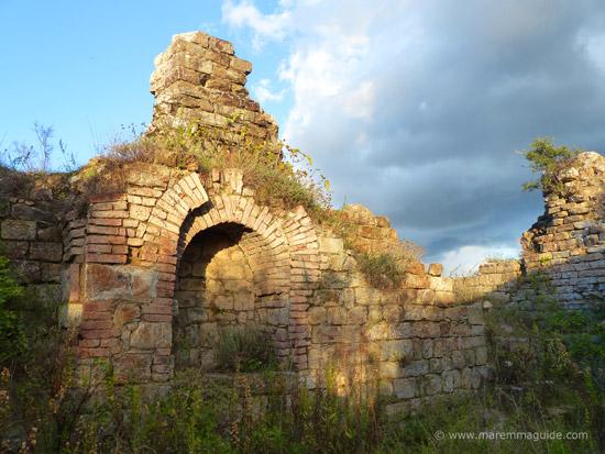 Castel di Pietra Toscana