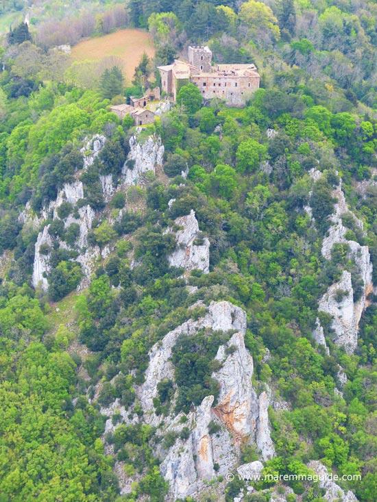 Castello di Fosini, Reserva Naturale Cornate e Fosini, Colline Metallifere Tuscany