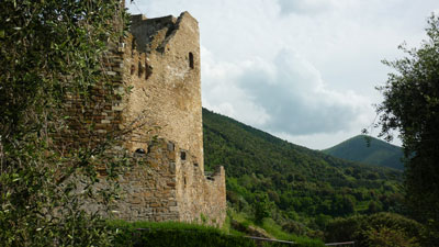 Castles in the middle ages: the south-west watchtower of Castello di Scarlino