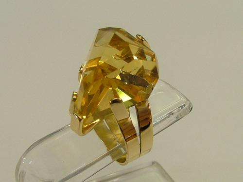 Italian 18k gold jewelry: citrine gemstone yellow gold ring