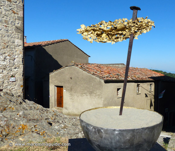 Contemporary metal art in Tuscany Italy