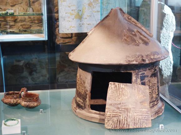 Etruscan impasto pottery