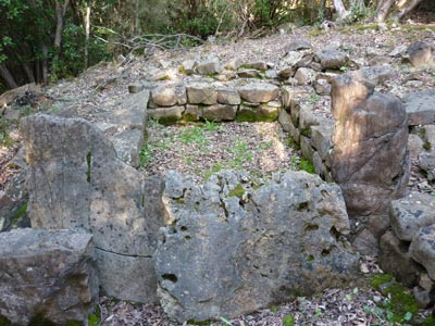 Etruscan tombs: Chamber with tumulus tomb number 21 at Lago dell'Accesa, Maremma