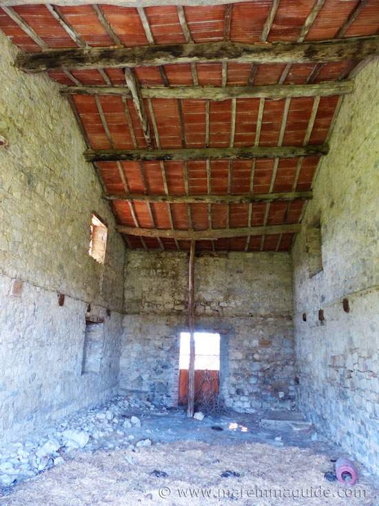 Renovation farmhouse Tuscany for sale