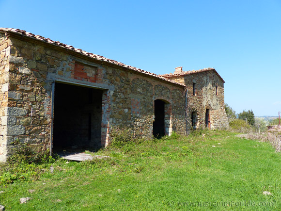 farmhouse renovation in Tuscany