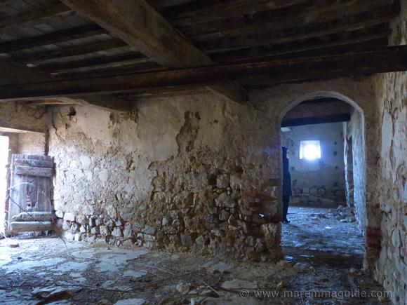 Renovation Tuscany farmhouse for sale
