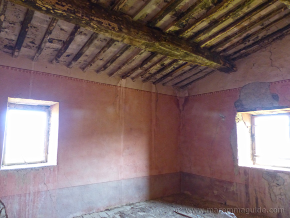 Renovation farmhouse in Maremma Tuscany for sale