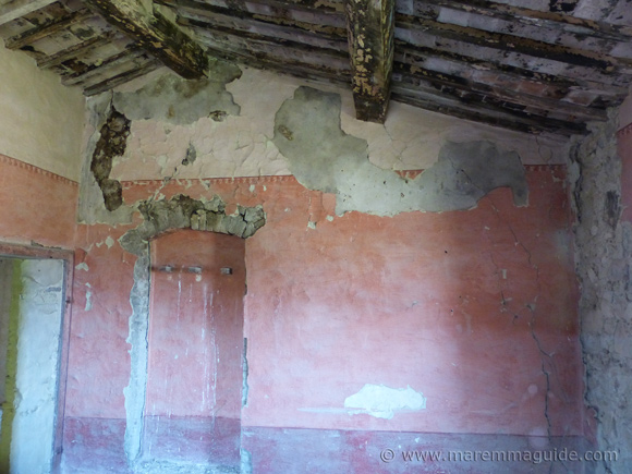 Old house in Tuscany for sale
