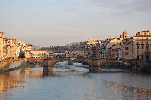 Florence Italy photos: the River Arno, the Ponte Santa Trinita and the Ponte Vecchio from the Ponte alla Carraia