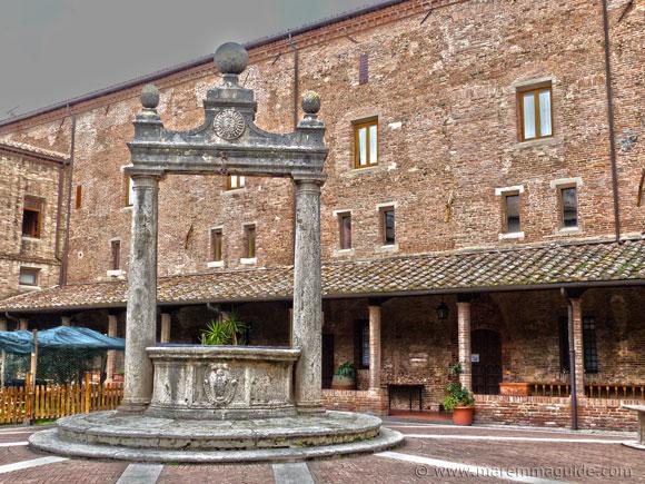 Il Pozzo della Bufala, Chiostro di San Francesco Grosseto.