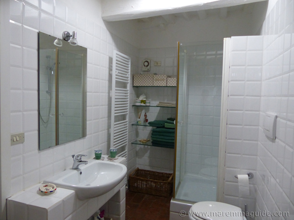 Holiday house in Tuscany Italy bathroom