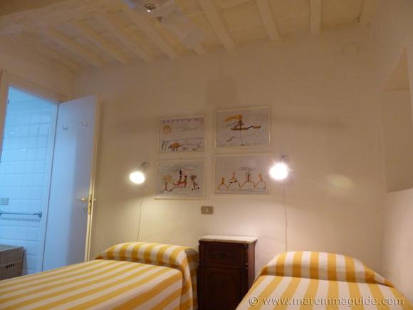 Holiday home Maremma Tuscany: twin bedroom