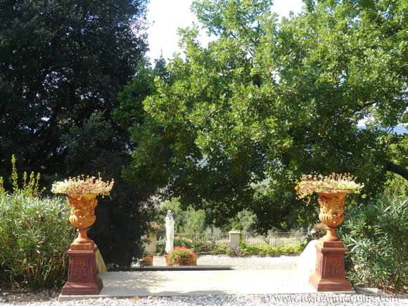 Holiday villa in Tuscany garden