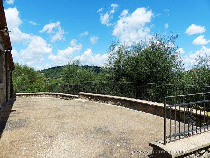 Rear large sun terrace