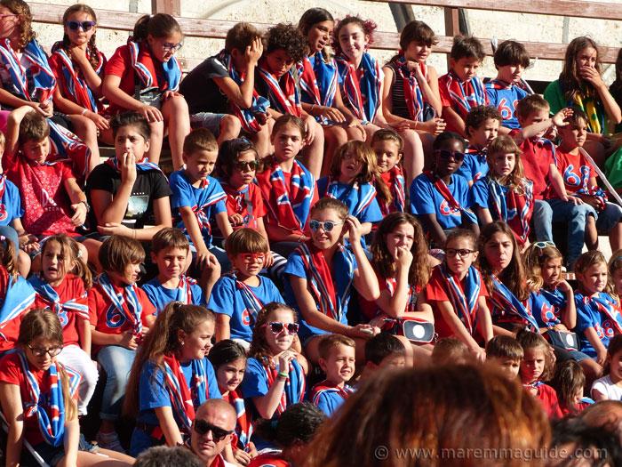 Contrada della Torre children at the il Palio Prova Generale race.