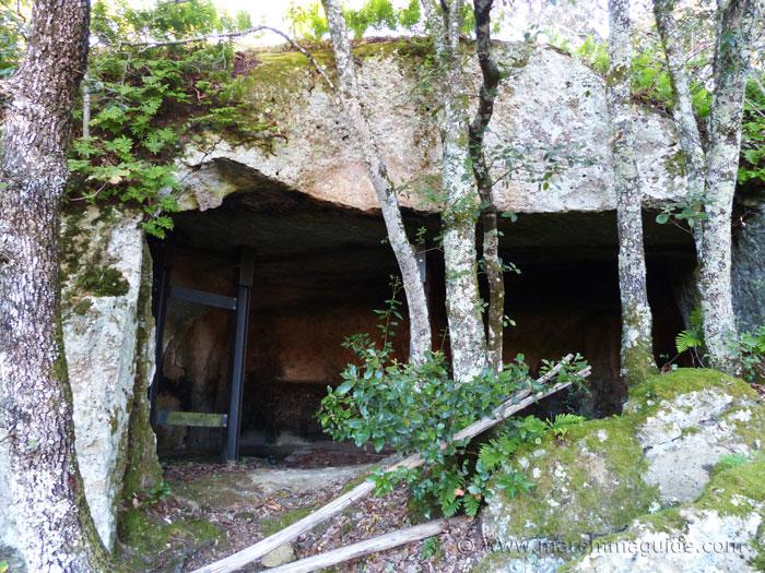 The farm in tufa rock at Sorano.