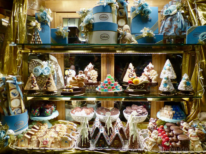 Italian Christmas food: the sweets and biscuits in Tuscany.
