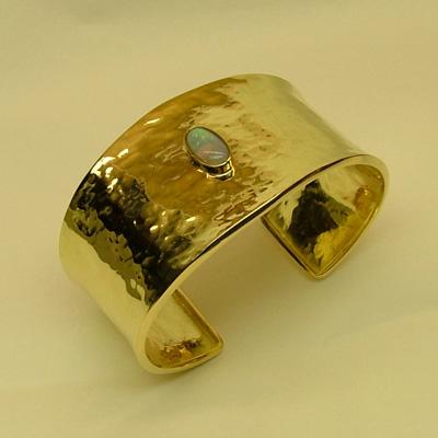 Italian Gold Bracelets: 18k gold and Australian oval Opal