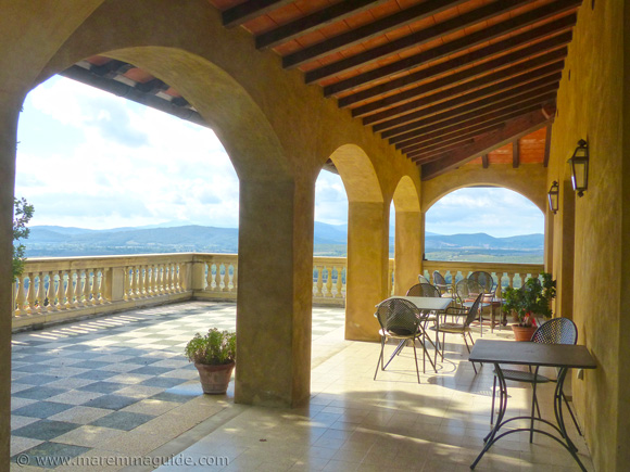 Italy Tuscany villa with a view