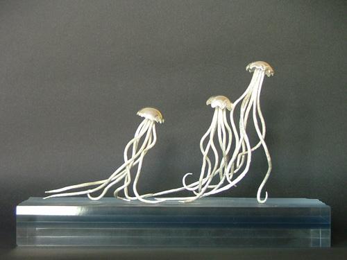 Unusual Sculptures: silver jellyfish