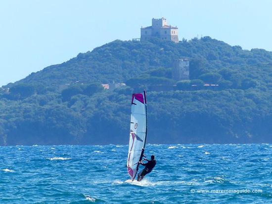 Kitesurfing in Maremma Tuscany: Marina di Grosseto
