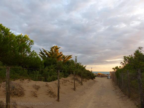 Le Marze spiaggia access track.
