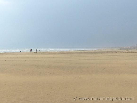 Marina di Grosseto beach: Tuscany in April