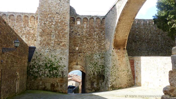Massa Marittima tours in Tuscany.