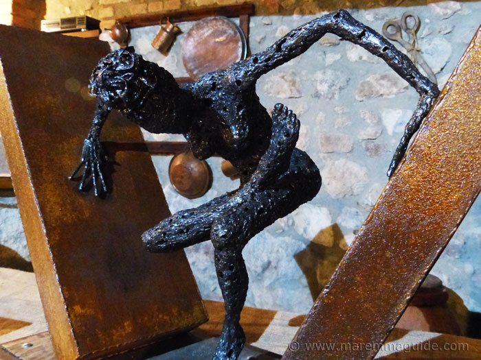 Metal art sculpture by Federico Molinaro.