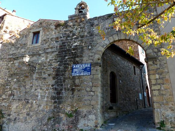 Porta di Sant'Elena Montegiovi.