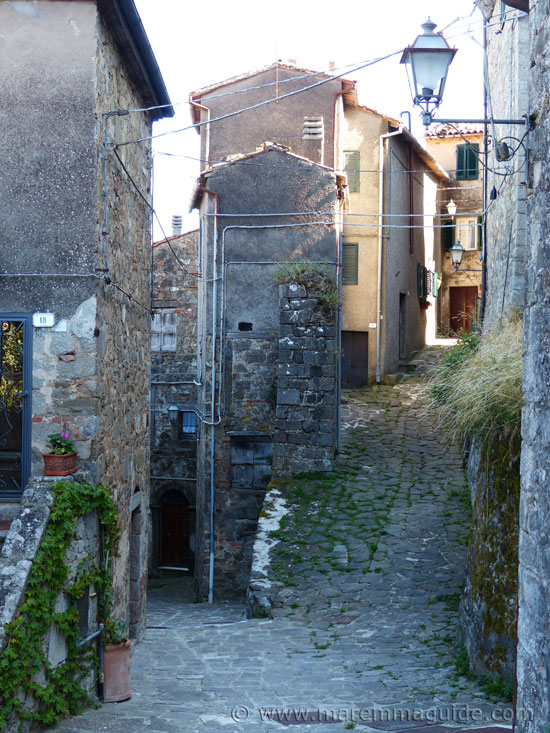 Medieval street that splits in two up and down in Montelaterone