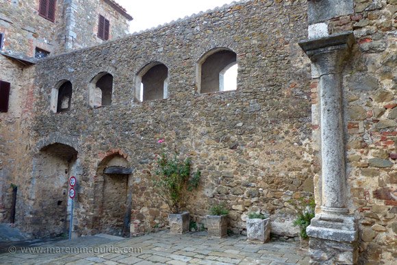 Mura di Montemerano: dates from twelfth century to Renaissance