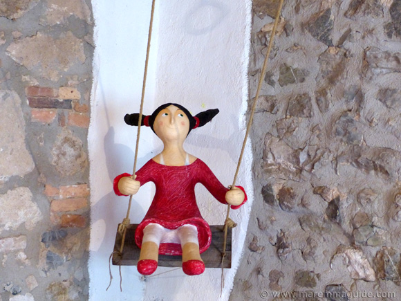 Mostra La Rocca Papier Mache girl on swing 2015