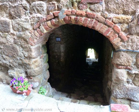 Roccatederighi medieval alleyway