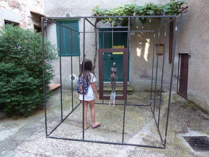Cube art. Mostra La Rocca Roccatederighi.