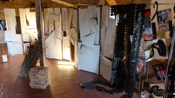 Art installation Mostra La Rocca.