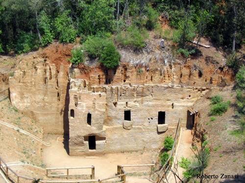 Le Grotte necropolis Populonia, Italy