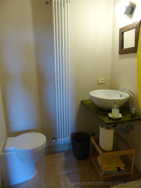 Maremma farmhouse bathroom