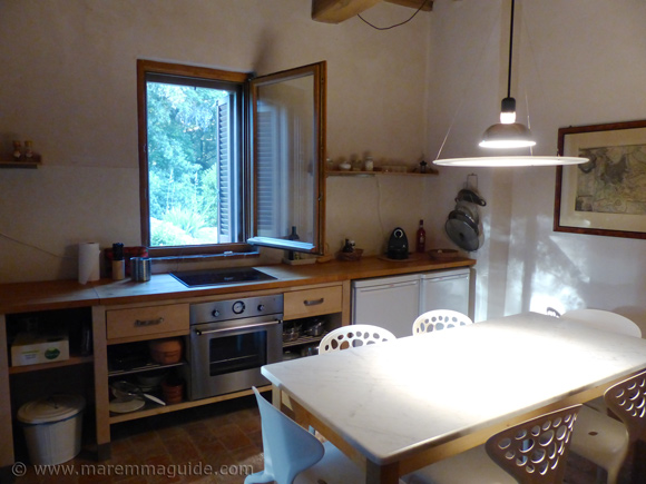 Tuscany farmhouse apartment kitchen