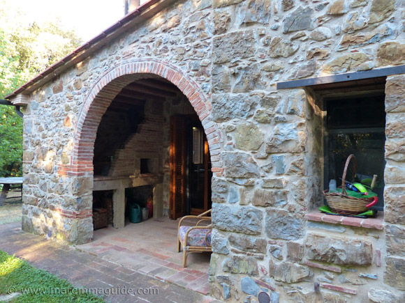 Tuscan farmhouse for sale