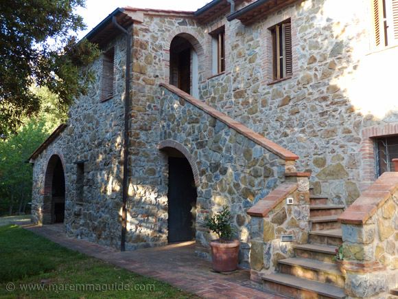 Old restored Tuscany farmhouse for sale