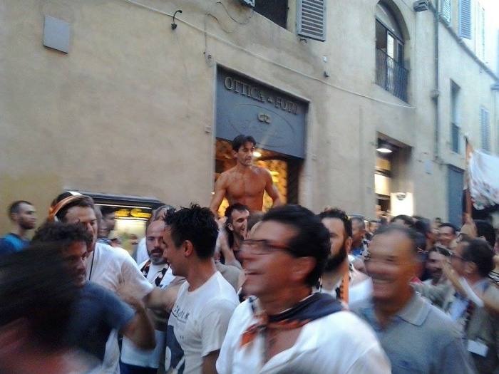 Paliodi Siena winning jockey.